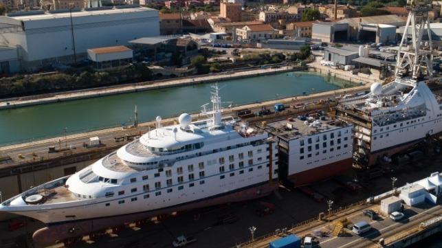 Det amerikanske krydstogtrederi Windstars bruger 1,5 milliarder dollars på at forlænge og opdatere sine tre Star Class-skibe. For pengene får skibene flere kahytter, restauranter, mere miljøvenlige motorer og meget mere. PR-foto: Windstar Cruises.