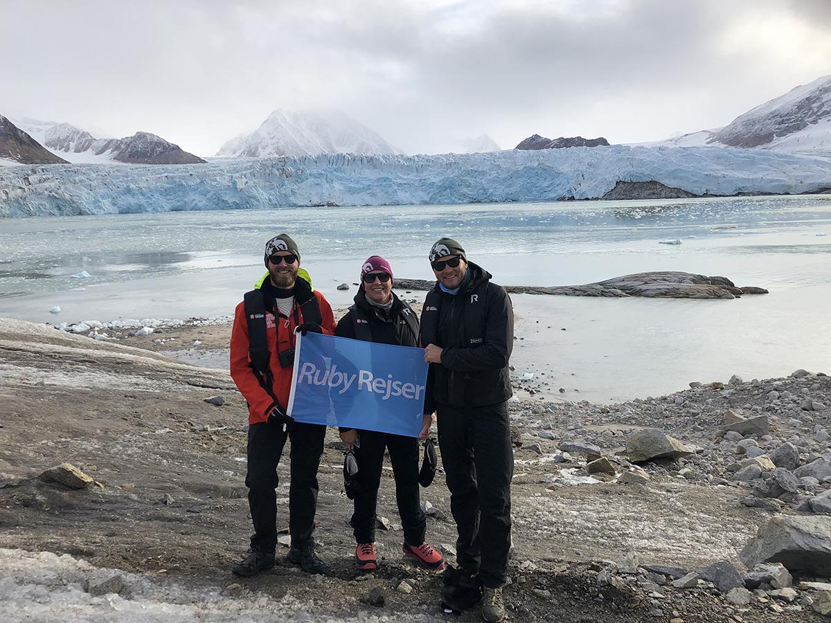 Ruby Rejser står under normale rejseår for cirka to tredjedele af omsætningen i Sunway Group. Her er medarbejdere på nordnorske Svalbard. Arkivfoto fra Sunway Group.