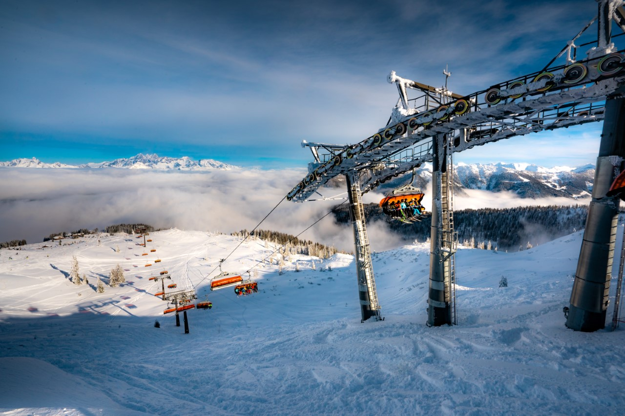 Skigroup med blandt andet Højmark Rejser, gruppens største rejsebureau, havde i seneste regnskabsår 40.000 gæster på ski i Alperne. Arkivpressefoto fra Højmark Rejser.