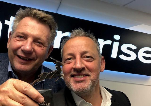Tony Woolrych, til venstre, afløses af Nikolaj Lagoni som chef for biludlejningsselskabet Enterprise i Skandinavien. PR-foto.