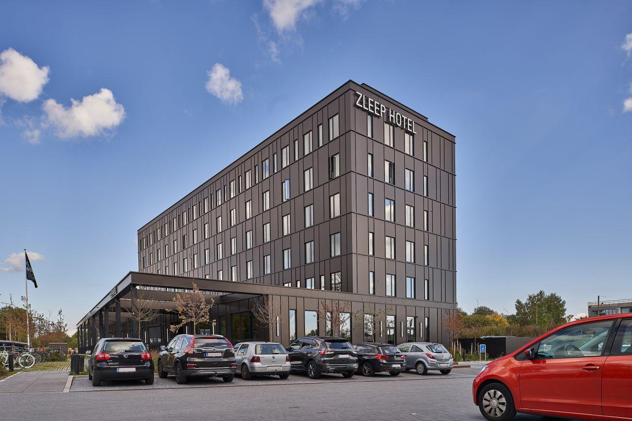 Et af de nye Zleep-hoteller, der åbnede i Danmark sidste år, var Zleep Hotel Lyngby ved København. Kæden vokser videre i også Danmark, hvor der næste år kommer endnu et par hoteller. Pressefoto: Zleep Hotels.