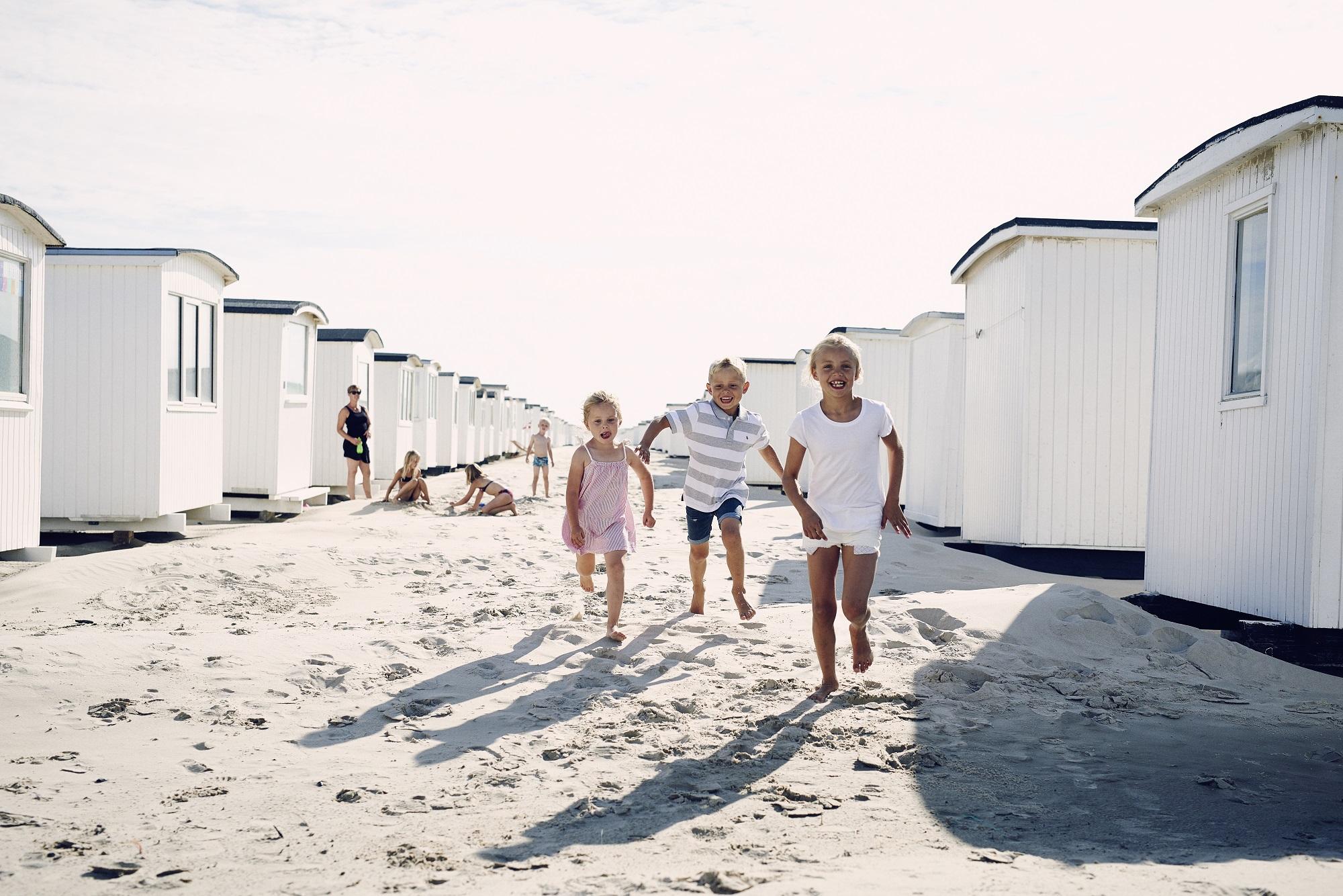 Dansk Kyst- og Naturturisme er kommet med en række forslag til at hjælpe sin del af den danske turisme på fode efter coronakrisen. Her er det fra nordjyske Løkken. Arkivpressefoto fra Dansk Kyst‑ og Naturturisme.