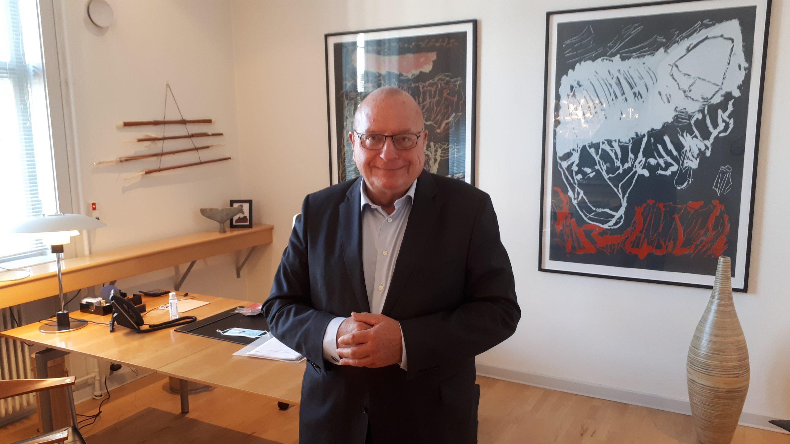 Jens Zimmer Christensen takker ved HORESTA's repræsentantskabsmøde til maj af som formand for både HORESTA's brancheforening og arbejdsgiverforening. Her er han på formandskontoret på HORESTA's hovedkontor. Foto: Henrik Baumgarten.