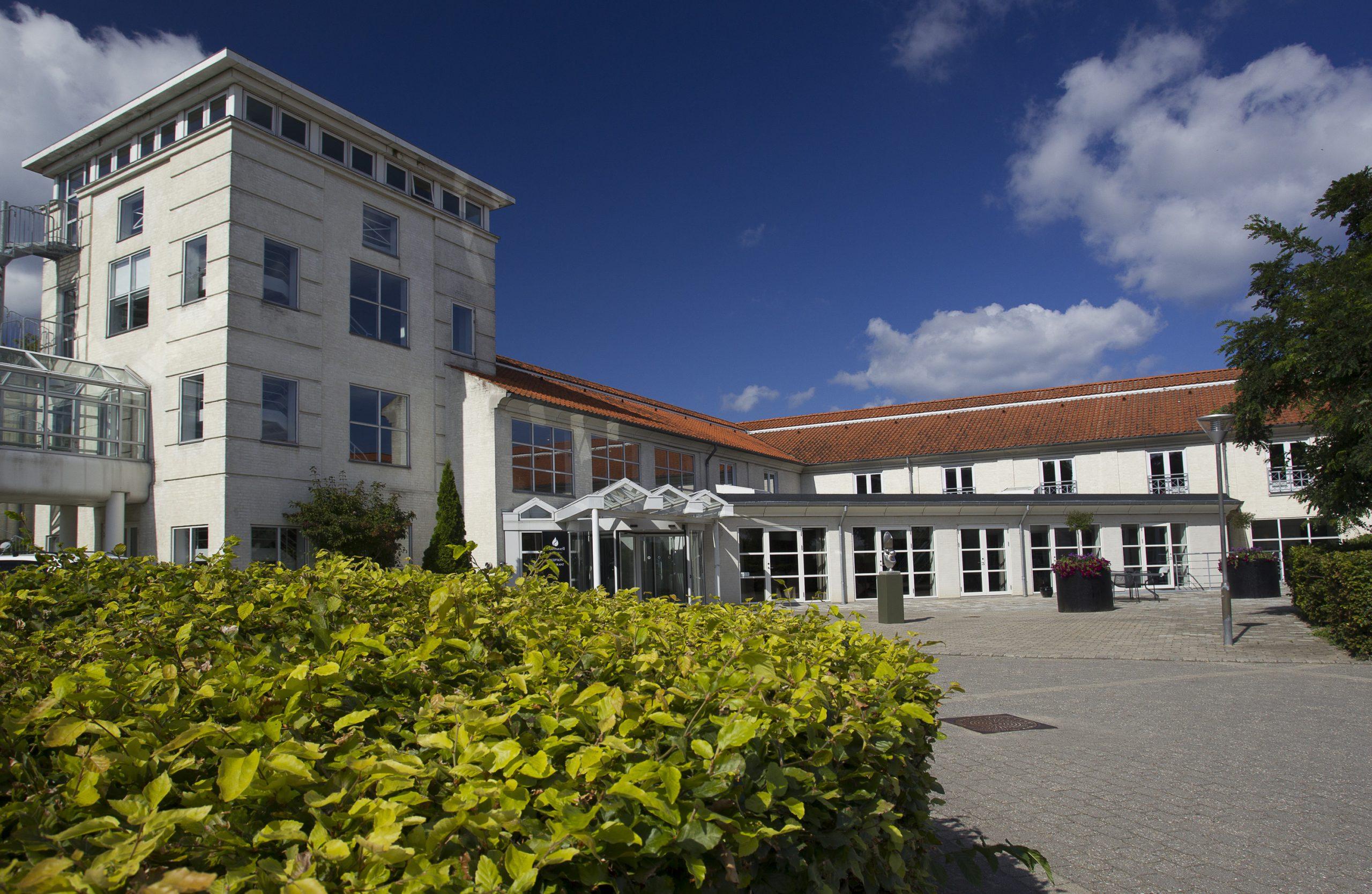 Bygningen med Comwell Korsør bliver fra årsskiftet overtaget af fagforeningen 3F, hvorefter Comwell stopper med at drive konferencehotellet. Pressefoto: Comwell Hotels.