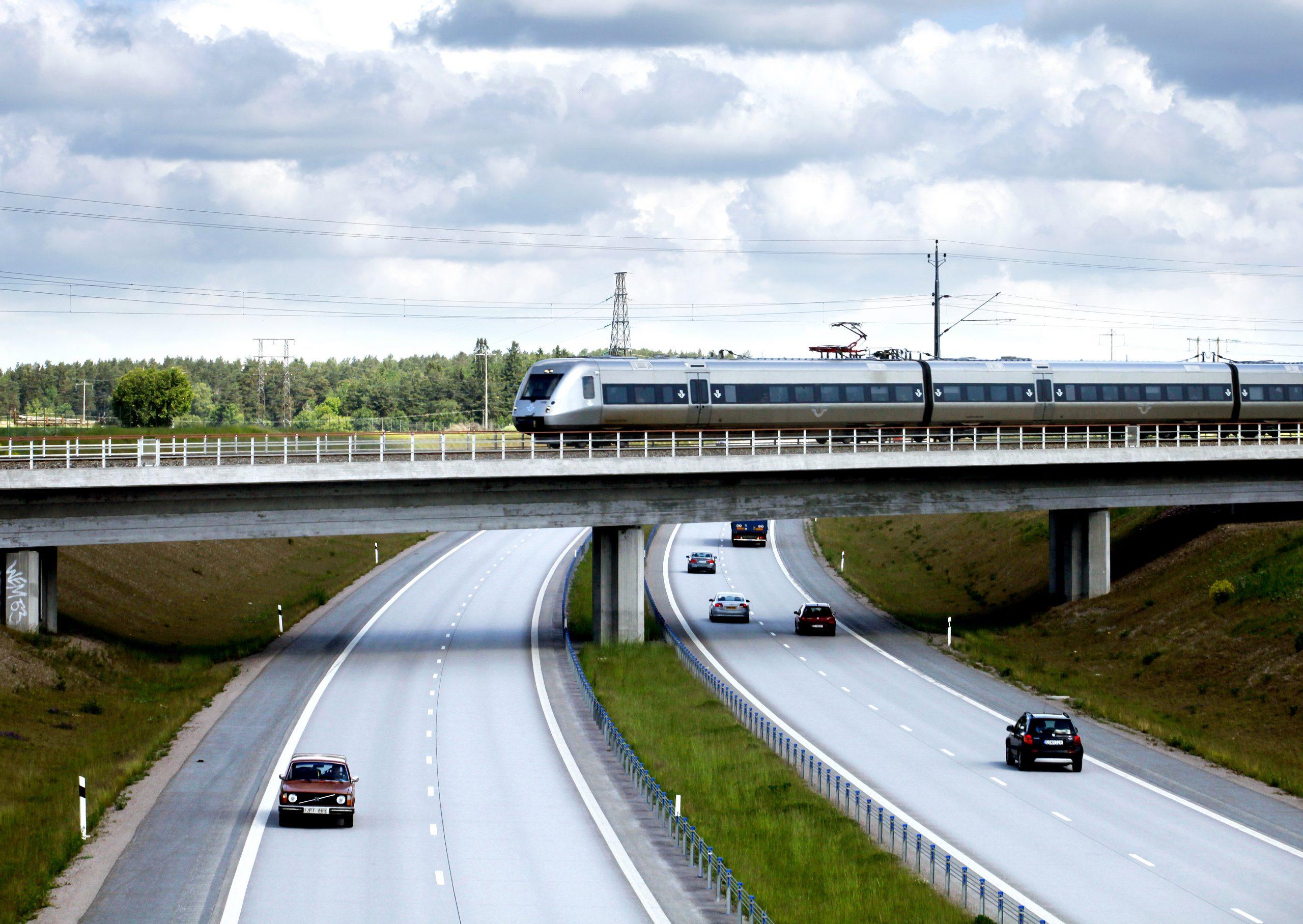 Holder planerne, så vil Sverige og Norge i starten af næste årti tilbyde højhastighedstog mellem Stockholm og Oslo, en tur på tre timer til den tid mod i dag fem timer. Arkivpressefoto fra SJ: Stefan Nilsson.