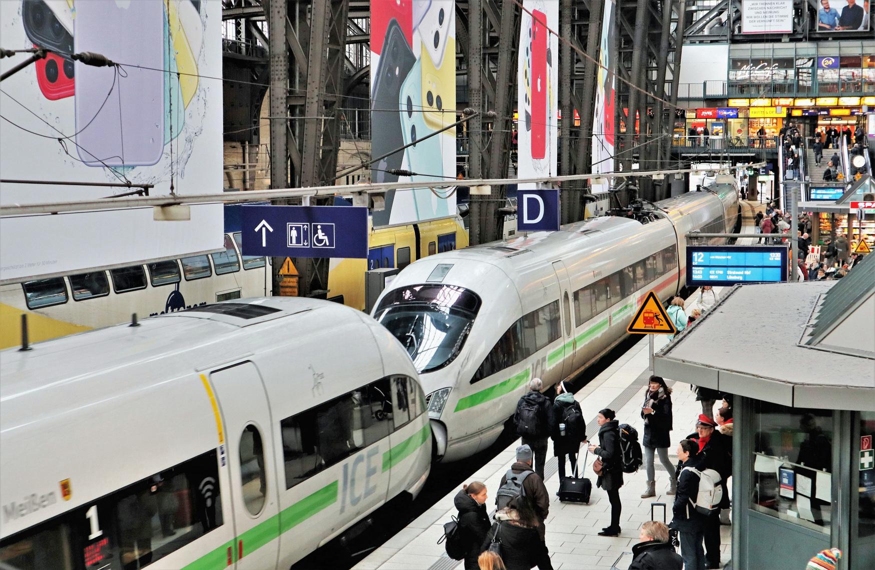 Regeringen vil koble sig på de svenske planer om nattog gennem Danmark til Hamborg og Bruxelles. Arkivpressefoto fra Hamburg Hauptbahnhof, Wolfgang Klee for Deutsche Bahn.