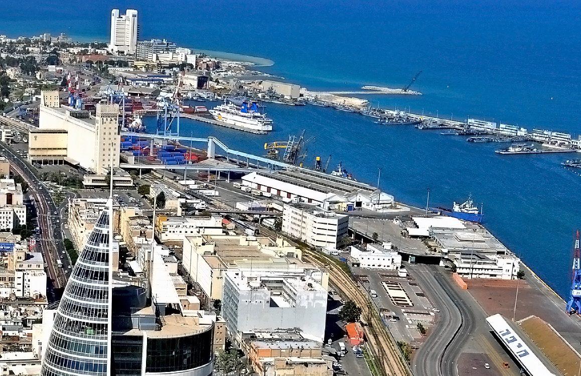 Havnen i Haifa, Israels tredjestørste by, skulle have mellem juni og oktober have været hjemsted for krydstogtskibet Odyssey of the Seas. Arkivfoto fra Wikipedia: Zvi Roger, Haifa Municipality.
