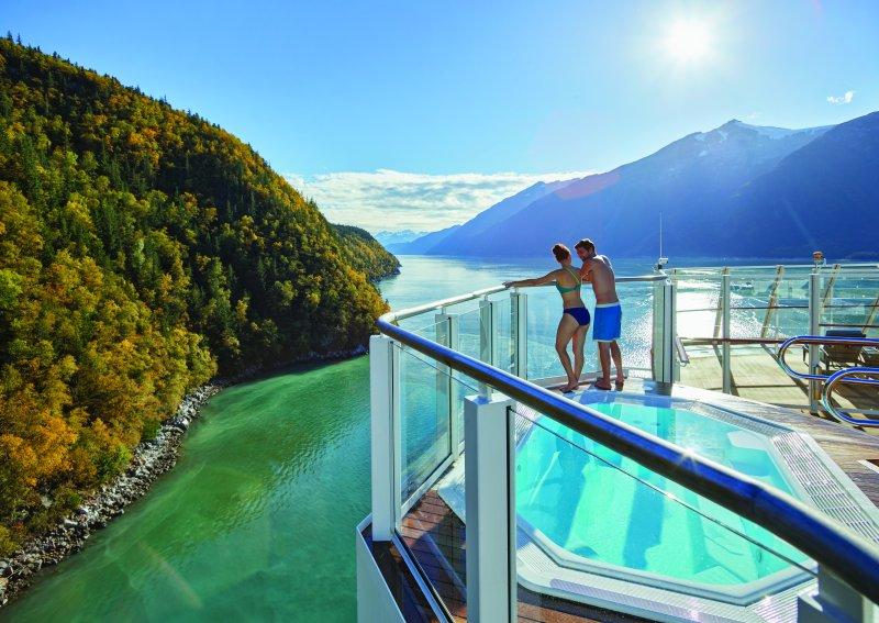 Krydstogtskibene kan atter sejle til Alaska efter ny amerikanske lov er blevet stadfæstet og underskrevet af USA's præsident. Arkivpressefoto fra Norwegian Cruise Line.