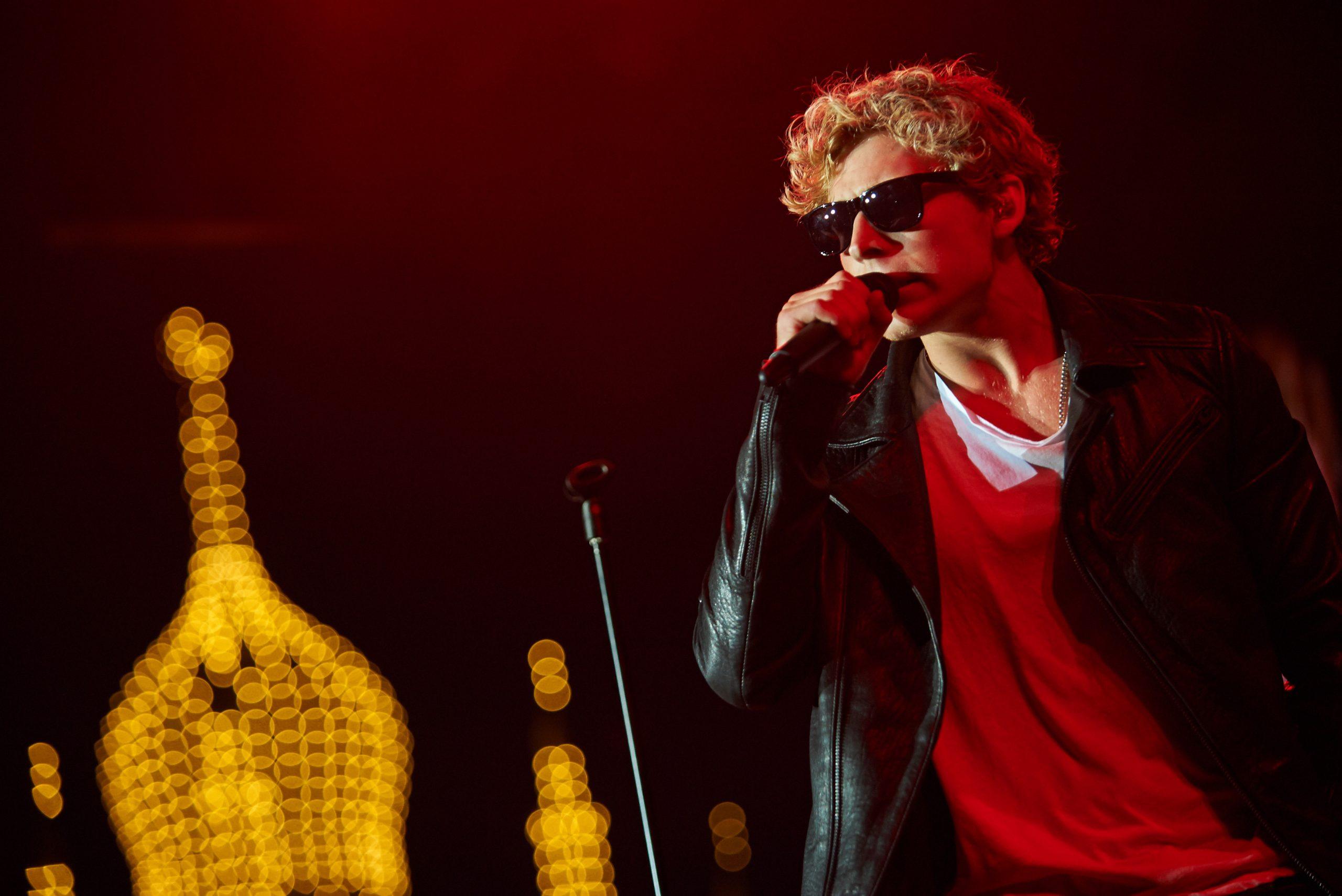 Sangeren Christopher (Lund Nissen) er blandt kunsterne, der skal optræde ved Tivolis kommende Havefester – indtil Fredagsrock vender tilbage, måske til august. Pressefoto fra Tivoli: Rasmus B. Hansen.