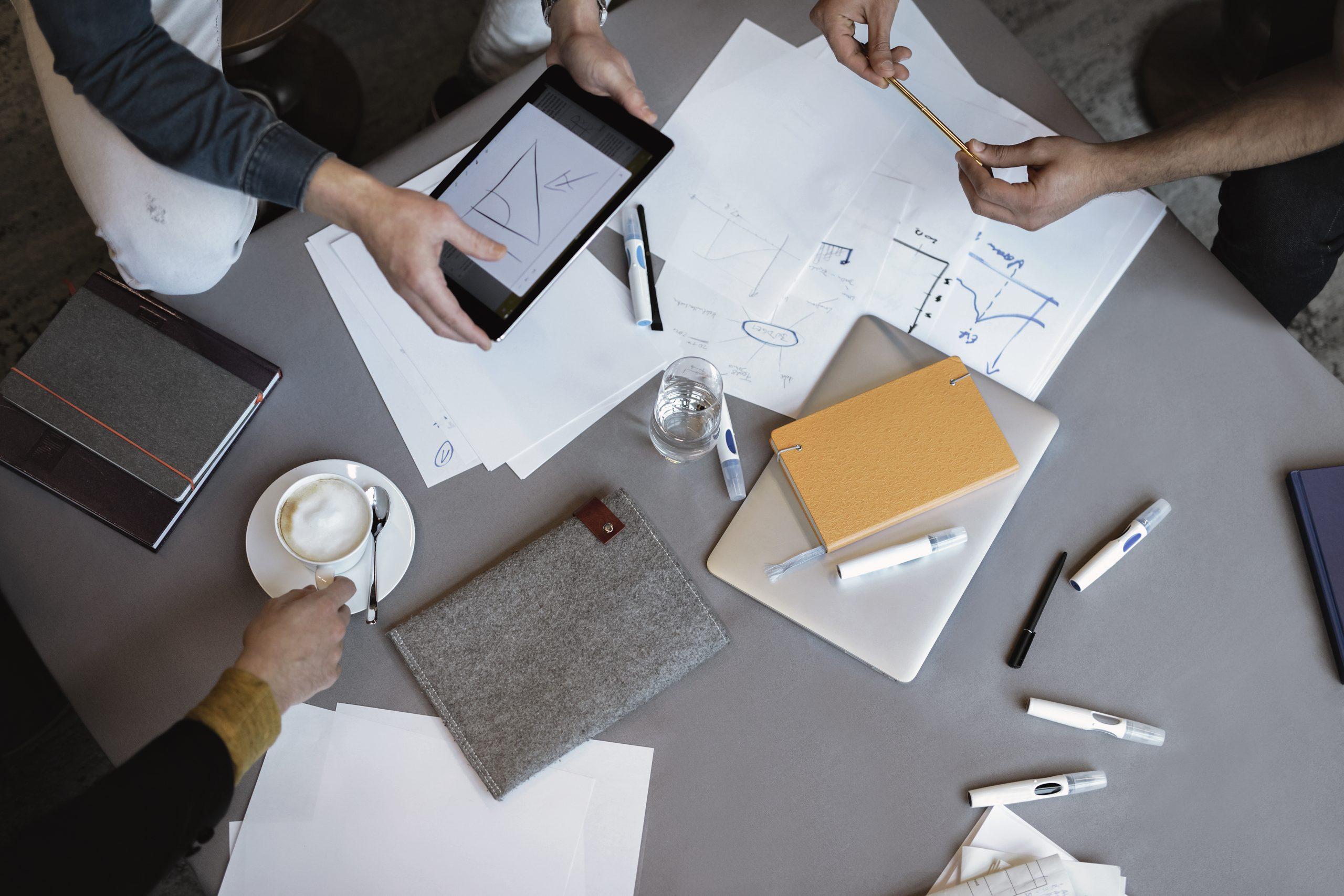Det giver oftest mere udbytte når for eksempel forretningspartnere kan mødes fysisk, fremfor at interagere via en skærm, viser undersøgelse fra Accor Hotels. PR-foto: Accor.