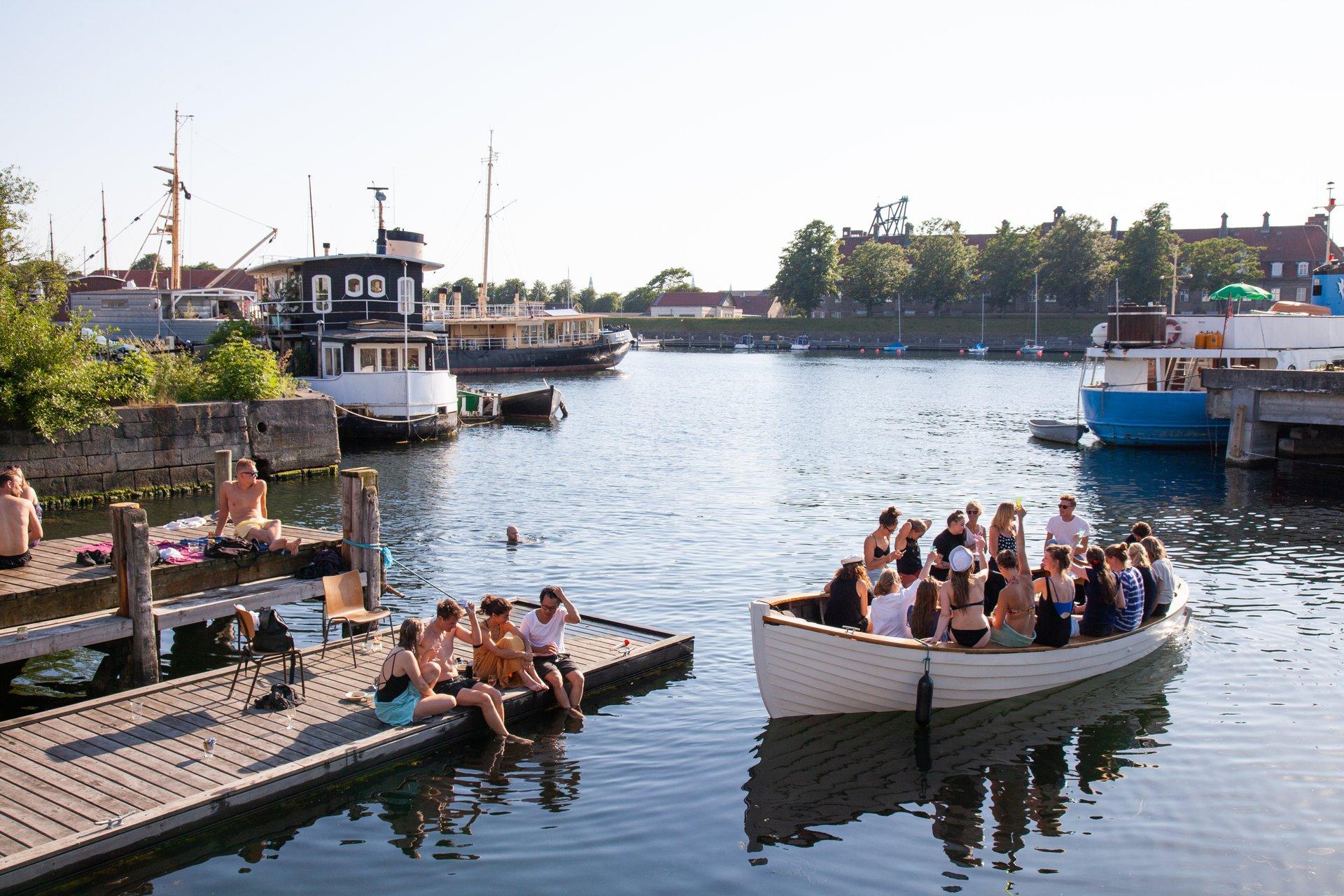 København er meget mere end Strøget, Tivoli og Nyhavn. Her er det fra Refshaleøen, tæt på Rådhuspladsen. Pressefoto for VisitDenmark: Kim Wyon.