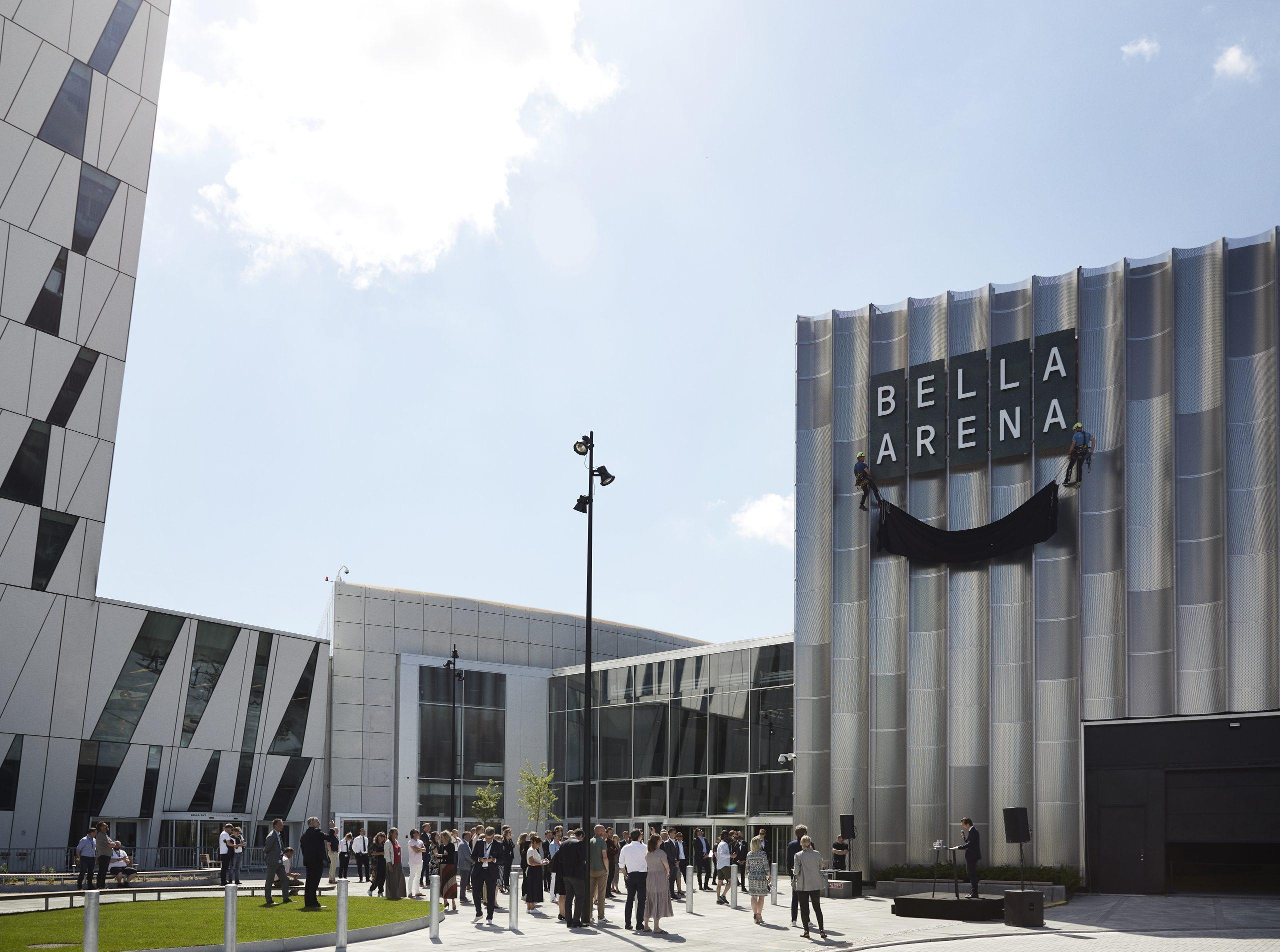 Den nye Bella Arena ved Bella Center. Til venstre anes hotellet Bella Sky, der også drives af BC (Bella Center) Hospitality Group. Pressefoto: BCHG.