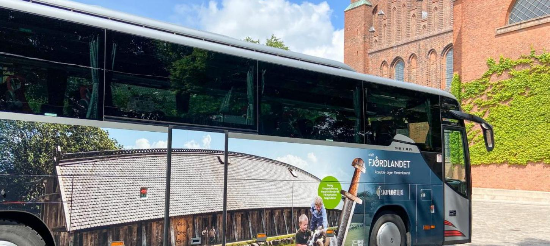 Der skal findes nye smartere måder for, hvordan turister uden bil kan komme frem til turistattraktioner. Det kan for eksempel være med shuttlebus fra nærmeste togstation. PR-foto fra Wonderful Copenhagen.
