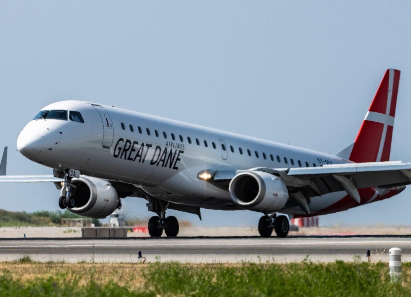 Når Spies kort før jul i år åbner sin nye ugentlige rute mellem Aarhus Lufthavn og Gran Canaria, skal den flyves med Embraer ERJ-195 fra Great Dane Airlines', der dermed får debut i Aarhus Airport, oplyser lufthavnen. Pressefoto fra Great Dane Airlines.