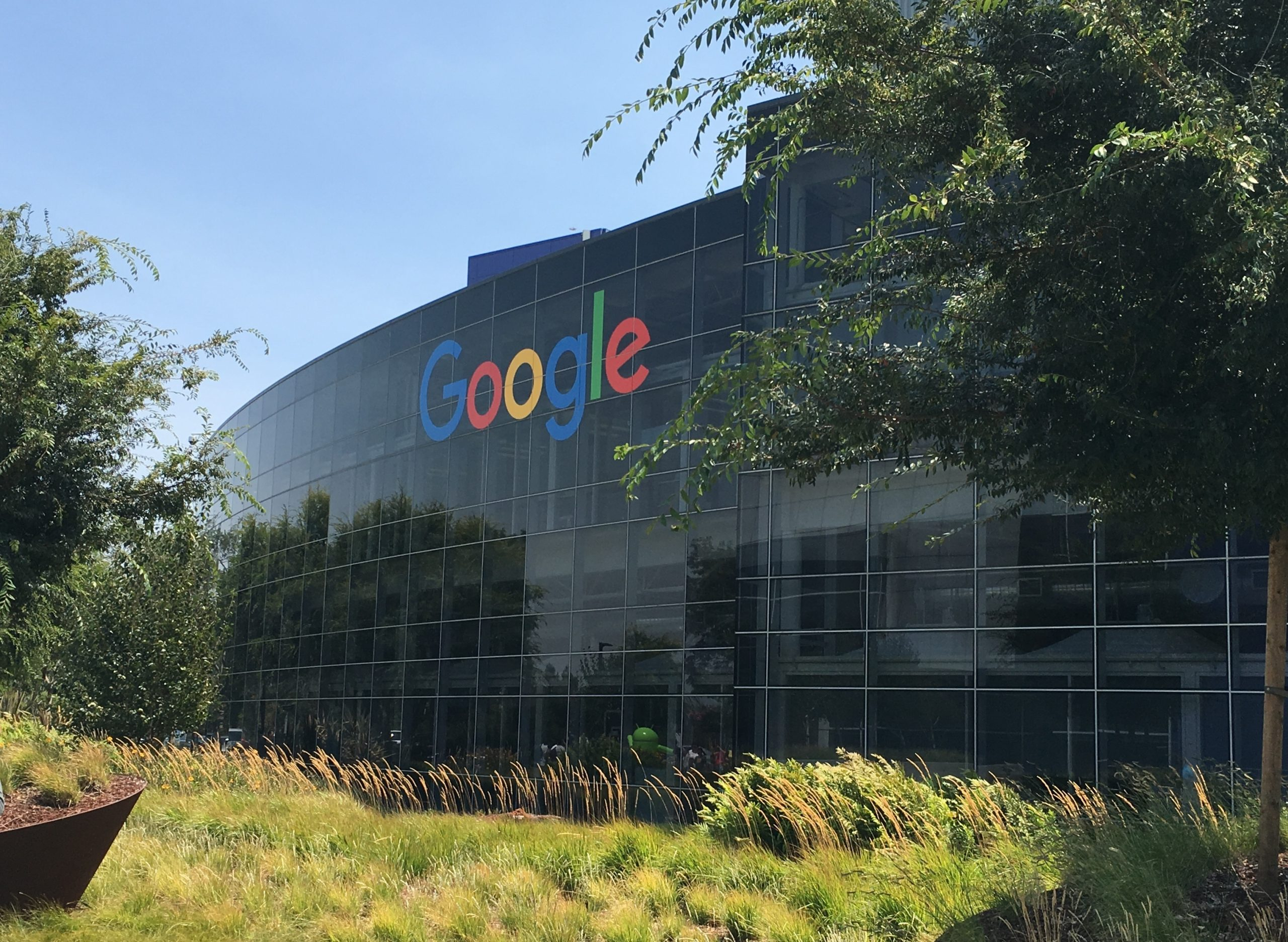 Googles hovedkvarter, Googleplex Headquarters, i californiske Mountain View. Wikipediafoto: The Pancake of Heaven!