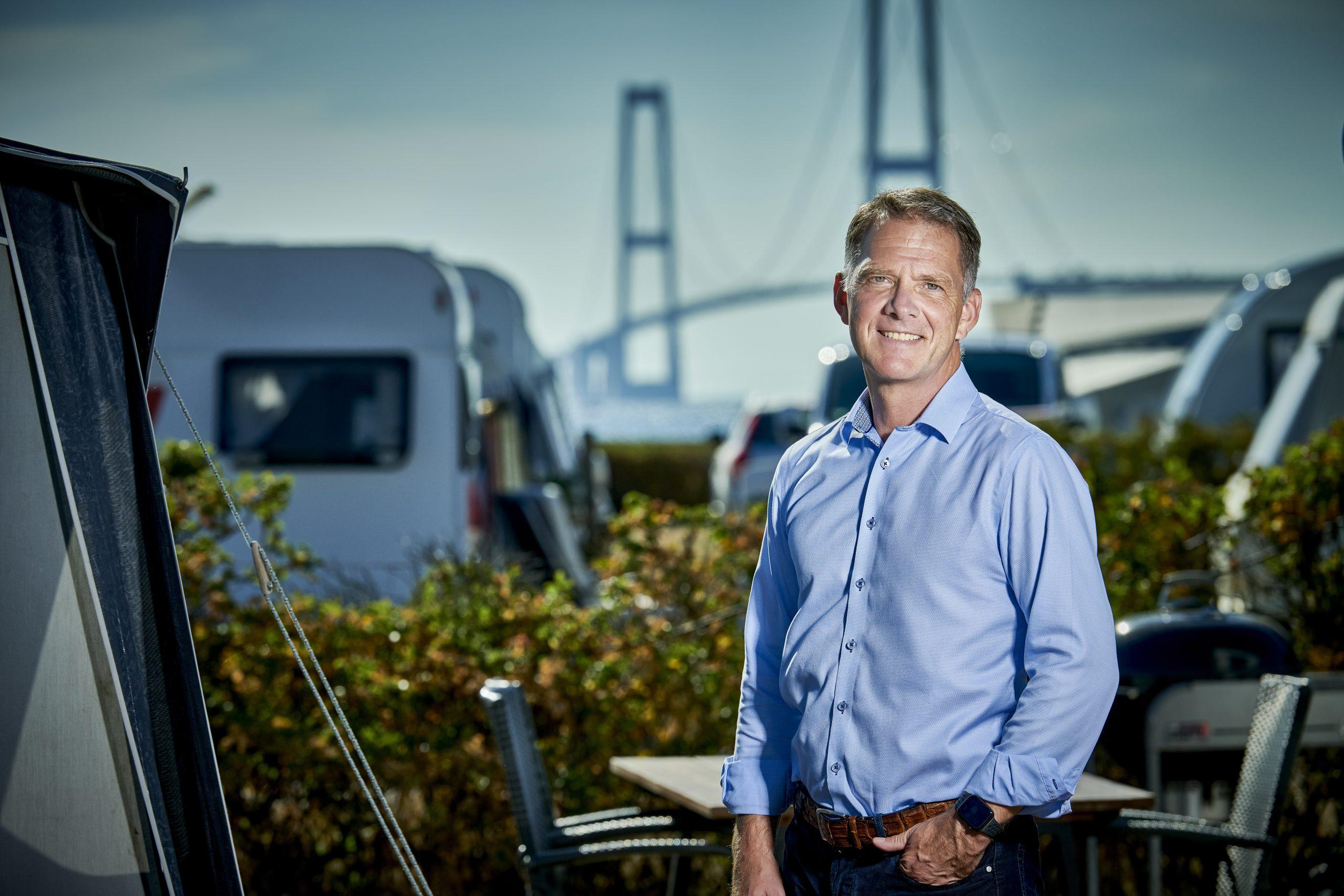 Jens Müller, formand for Danske Destinationer, er klar til at forsvare dansk turisme. Det kræver blandt andet at flest muligt af danskerne er færdigvaccineret. Pressefoto: Destination Sjælland.