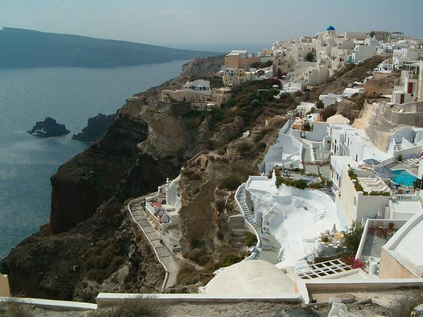 Santorini er en af de populære øer i Grækenland. (Foto: Mozgulek)