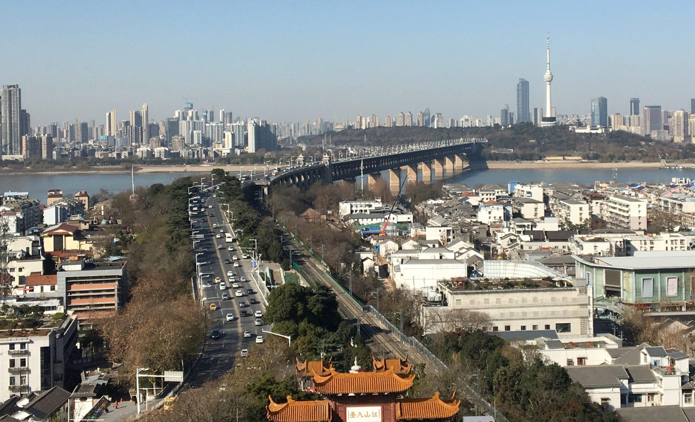 Millionbyen Wuhan ligger ved Yangtze-floden. Wikipediafoto: ZhengZhou.