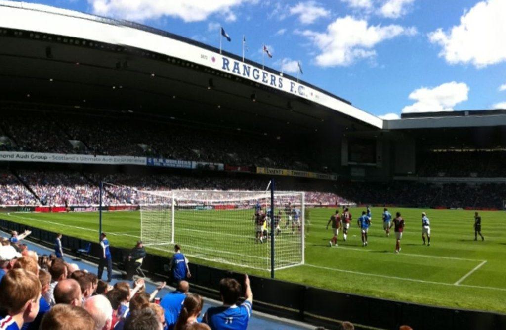Skotske Glasgow Rangers er et af de fodboldhold der for nylig har været i Skandinavien, her spillede de om kvalifikation til Champions League mod svenske Malmø FF. Rangers blev håndteret under deres besøg i Sverige af Amaze. Arkivfoto via Wikipedia: Alex Chapman.