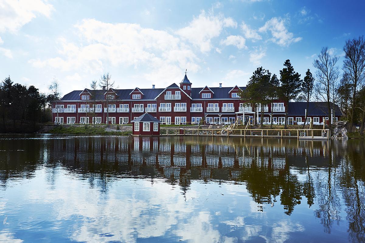 Hotel Fårup ligger inde i selve Fårup Sommerland, hotellet bruges i parkens åbningssæson af besøgende familier, men tiltrækker stadig flere møde- og eventgæster uden for sæsonen. Pressefoto: Fårup Sommerland.
