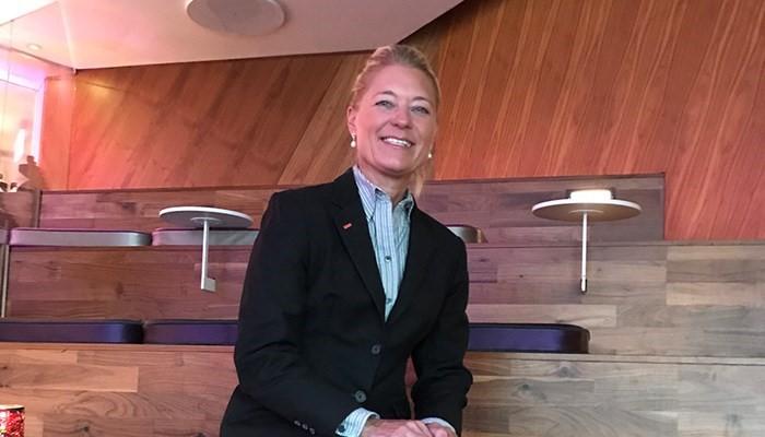 Kirsten Glente Grindsted forlader Scandics største hotel i Danmark, Scandic Copenhagen, for at blive direktør for koncernens største hotel, Spectrum, der nu står til at åbne i marts næste år. Arkivpressefoto fra Scandic Hotels.