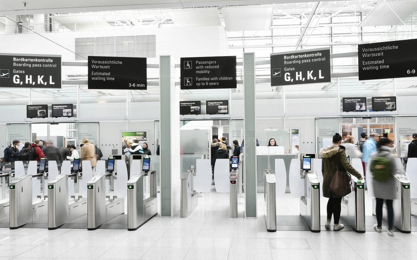 """""""Det skal være den store majoritet af færdigvaccinerede danskerne, Udenrigsministeriets rejsevejledninger rådgiver først,"""" lyder det fra DRF og RID. Arkivfoto fra Münchens lufthavn."""
