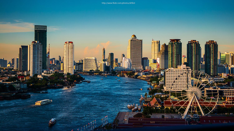 Thailands største rejsemål, hovedstaden Bangkok, genåbnes efter planen for færdigvaccinerede turister 1. oktober. Wikipediafoto: Nik Cyclist.