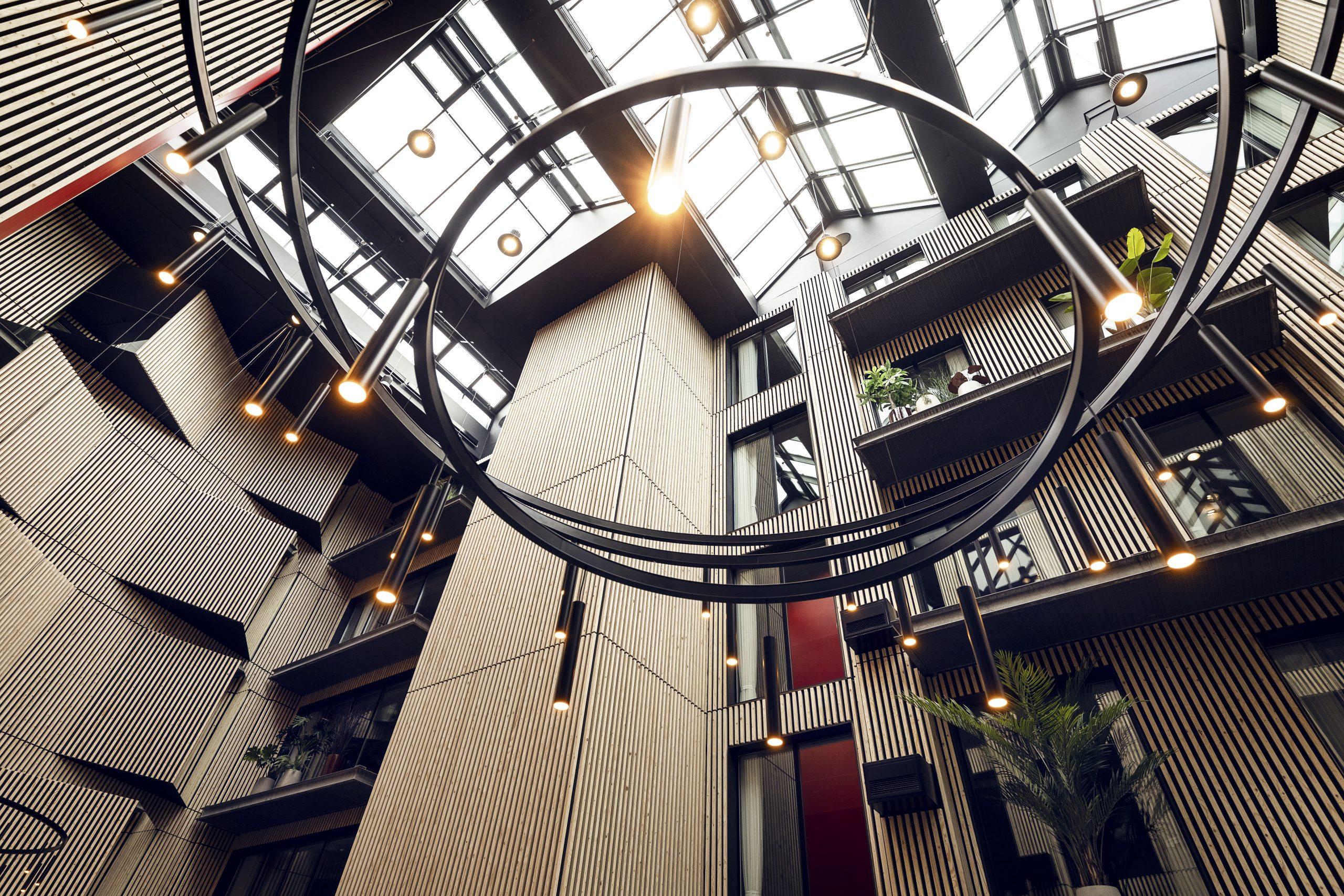 Atriumgården i Radisson RED Aarhus. (Foto: Roar Paaske)