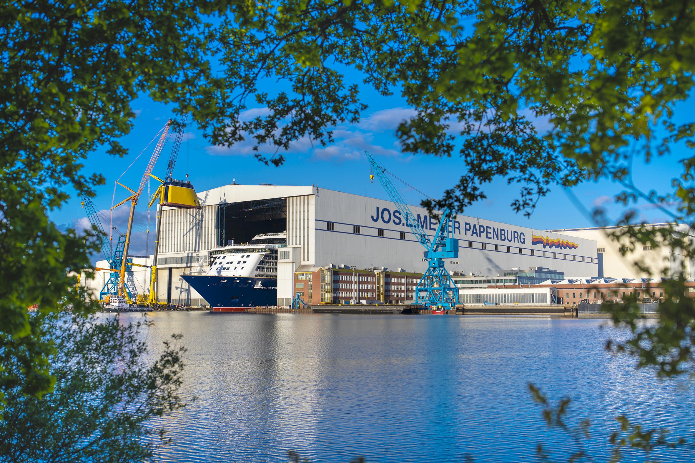 Meyer Werft i det nordvestlige Tyskland bygger allerede mange krydstogtskibe. Nu er rederiet klar med en futurisk model, der vil være verdens suverænt krydstogtskib. Pressefoto: Meyer Werft.