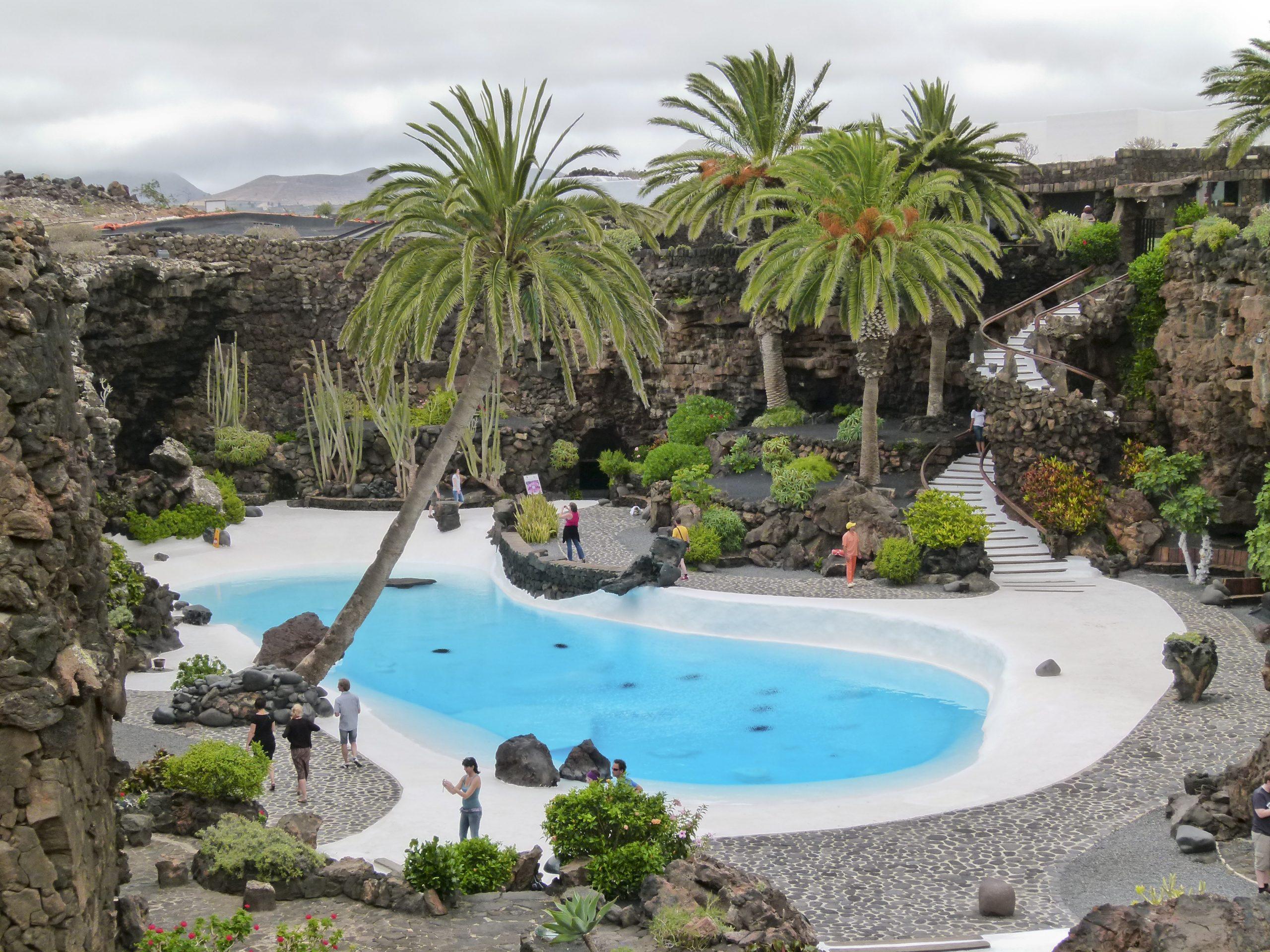 Rejsebureau tabte sag i Pakkerejse-Ankenævnet om en rejse for 12 personer til den kanariske ø Lanzarote. Her er det Jameos del Agua, en af Lanzarotes mest berømte turistattraktioner. Wikipediafoto: Norbert Nagel.